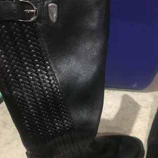 Euc Black Ariat 8.5 Black Leather