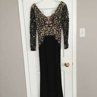 Black And Beige Log Sleeved Gown