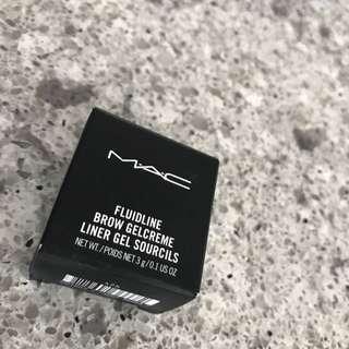 Mac fluidline Brow gel