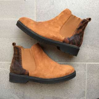 CHELSEA BOOTS FAUX SUEDE & SNAKESKIN