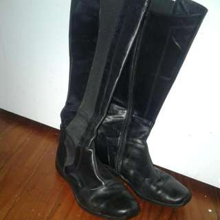 Long Leather Flat Rubber Soled Black Boots Size 8.5-9