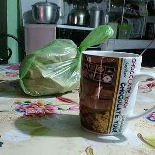 Goodmorning po! Kape tayo sabay browse sa profile ko! Thaaaanks. 🤘