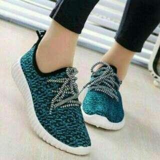 Sepatu Adidas Yeezi
