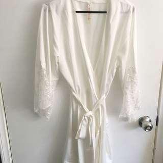 Bridal, Bridesmaids & Flower Girl Robes