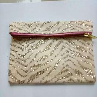 [new] Zebra Cream Gold Pouch