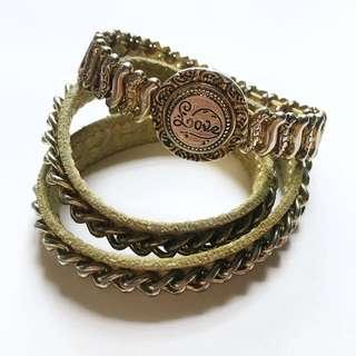A Set Of LOVE Bracelet