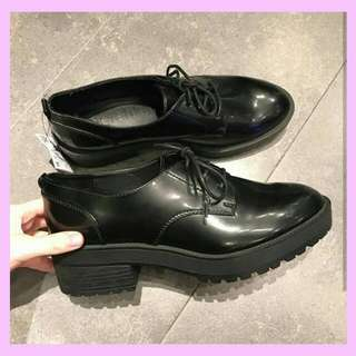 SALE!READY!! Bershka Heeled Blucher