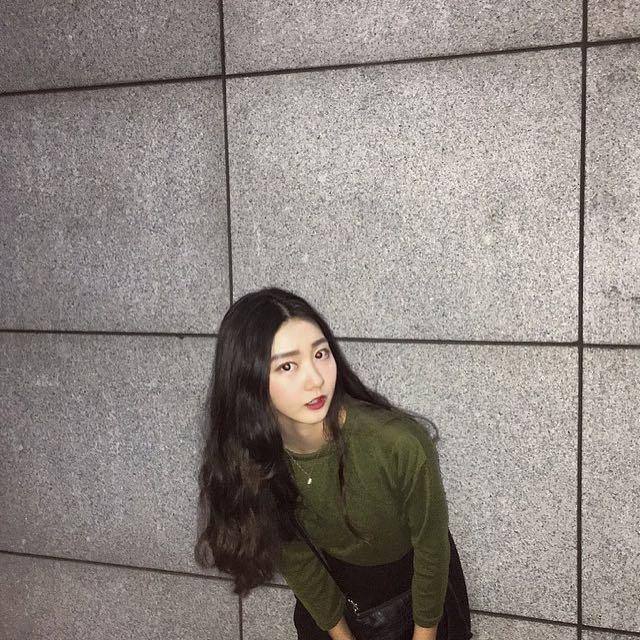 墨綠針織上衣