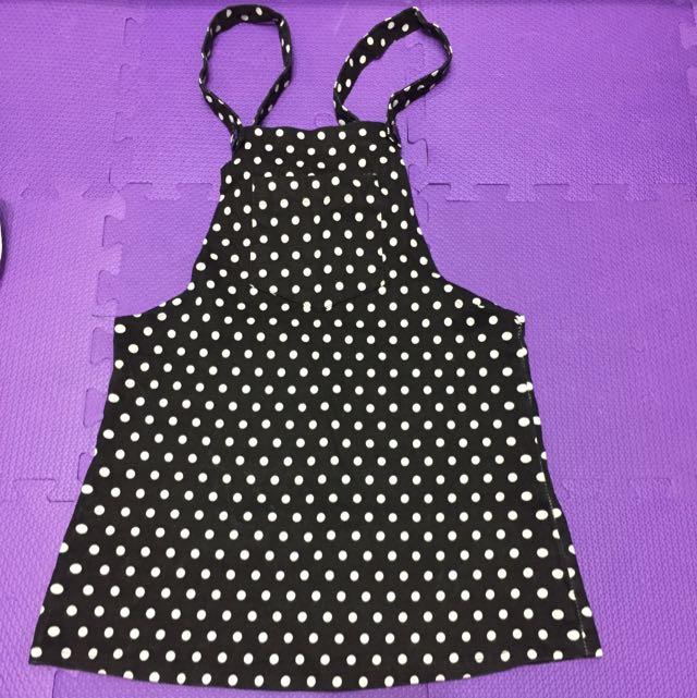 黑底白點吊帶裙