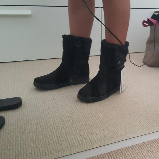 Brand new UGGs size 36-37