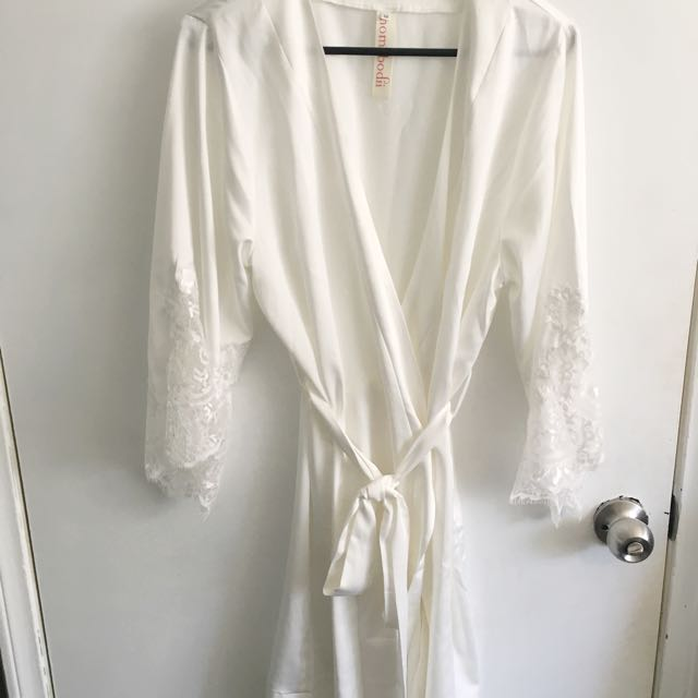 Bridal, Bridesmaids & Flower Girl Robes