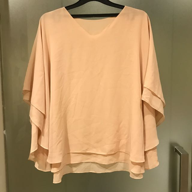 Chiffon creme blouse