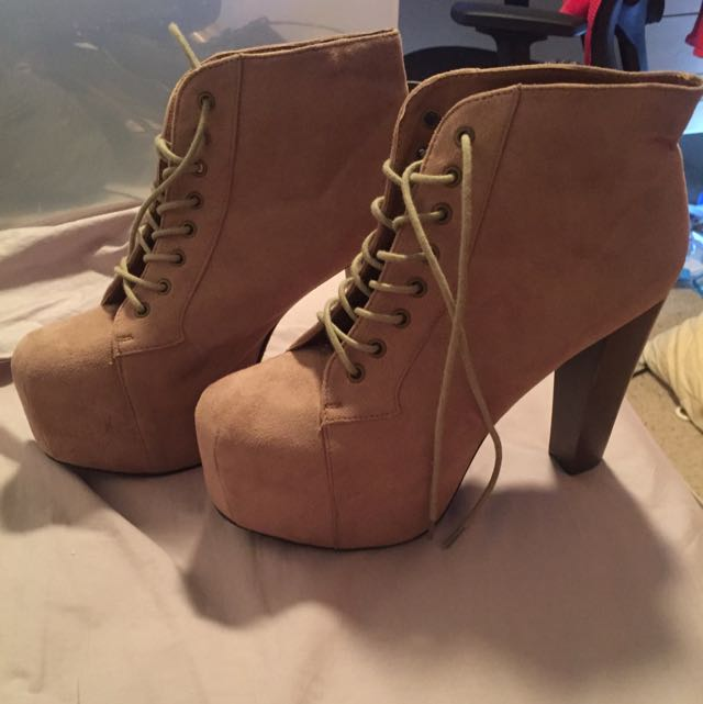 Forever 21 Women's High Healed Boots Size 10