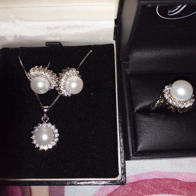 Genuine Freshwater Pearls Set