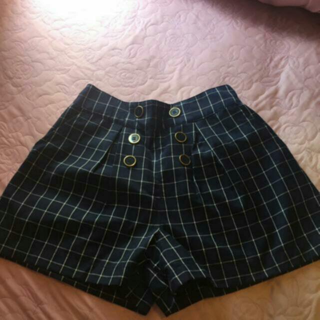 High Waisted Shorts Sz 6-8