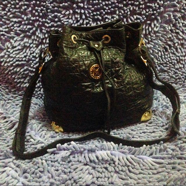 Metrocity Leather Handbag