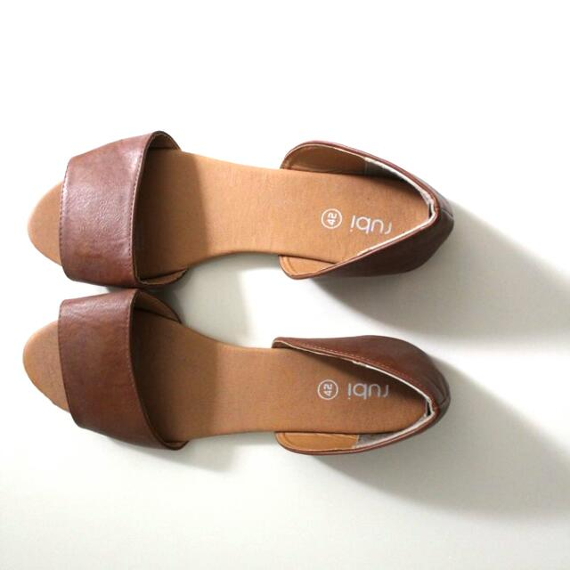 New Tan Brown Flat Sandals From Rubi Size 42