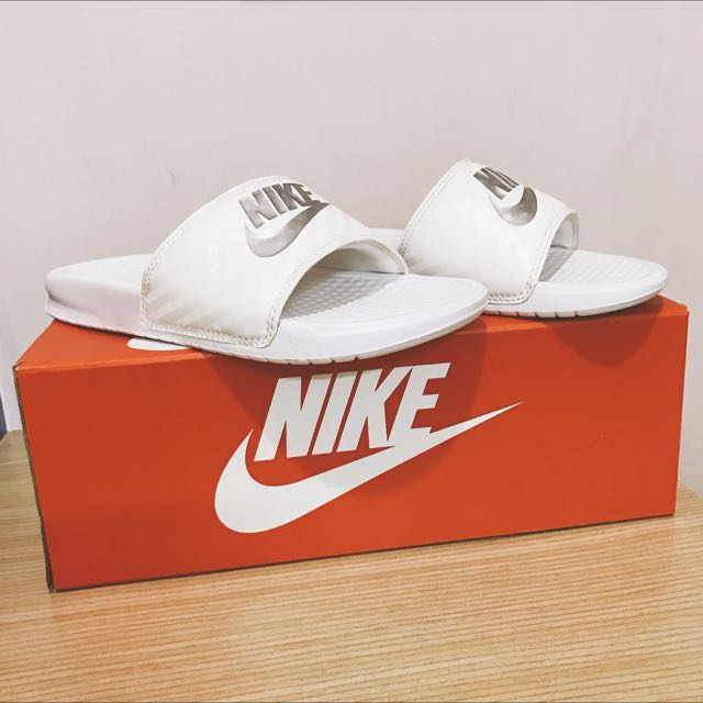 Nike拖鞋 WMNS BENASSI JDI