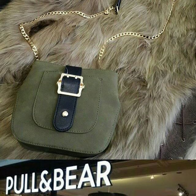 PULL&BEAR belt chic chain slingbag