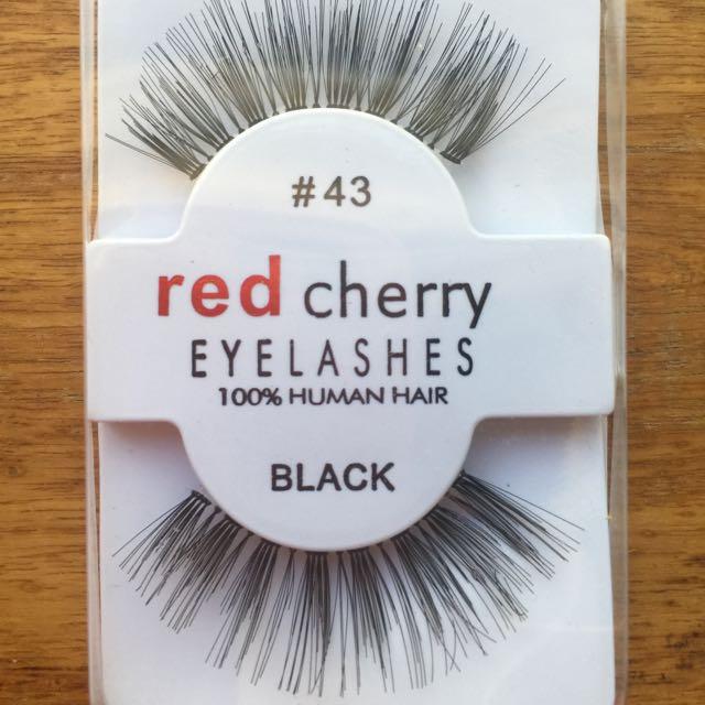 RED CHERRY BLACK EYELASHES