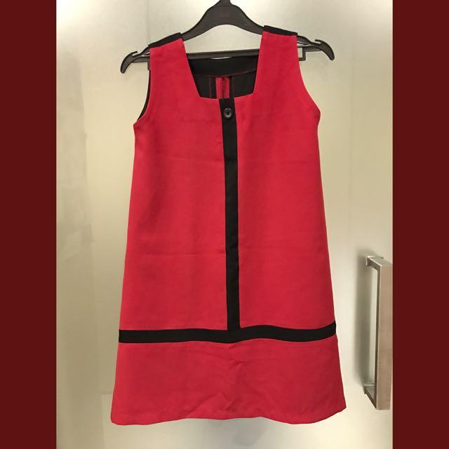 Red-black vintage dress