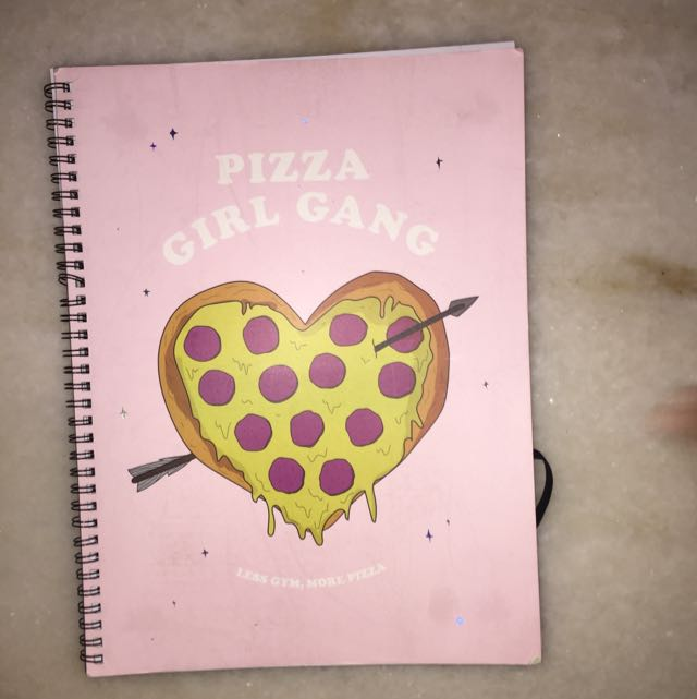 "TYPO BOOK ""Pizza Girl Gang"""