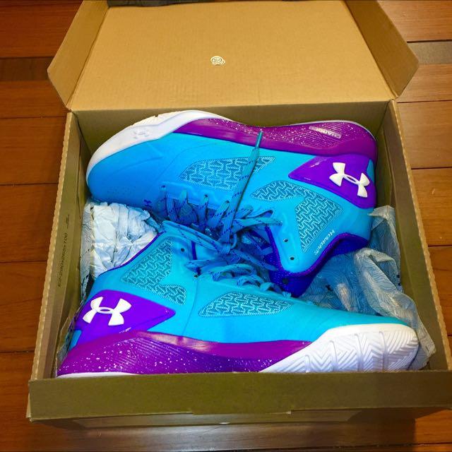 全新正品Under Armour clutch fit driver2籃球鞋一雙