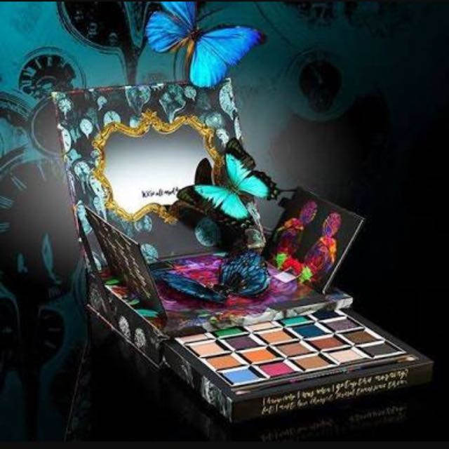 RARE Urban Decay Alice Through The Looking Glass Pallet
