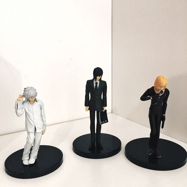 Various Character Figures From Death Note