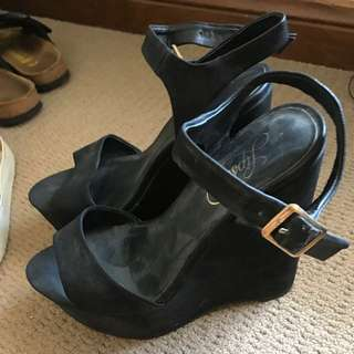 Lipstik Wedges Size 7