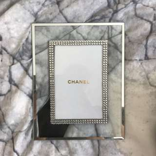 Chanel Frame