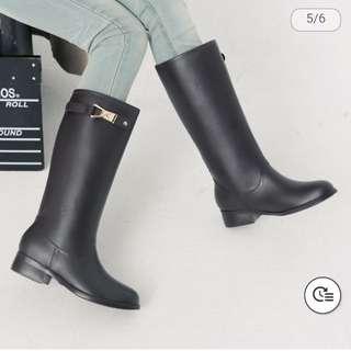 《特價中》KuruMira 金屬扣飾一體成形防水雨靴