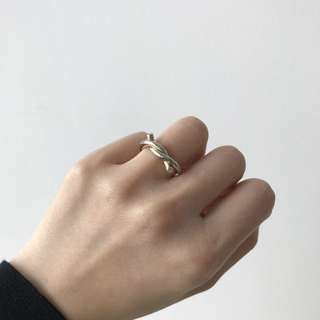 Gold Single Knot Ring