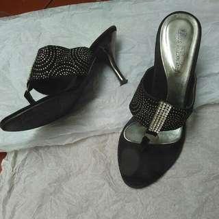Size 37.      Msh Bagus,Jarang Dipake, Ga Bisa Pake Heels Lg