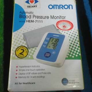 Blood Pressure OMRON HEM-7111