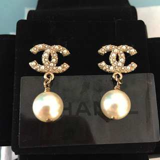 Chanel Ear ring ! Authentic