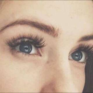 Semi-permanent False Lashes