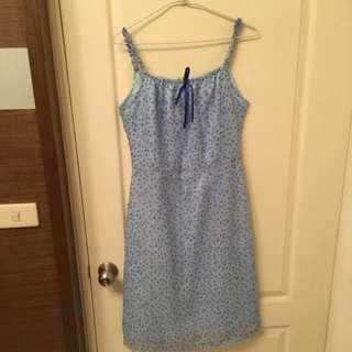 藍色小碎花洋裝
