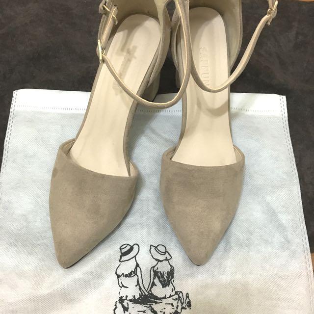 鹿皮尖頭根鞋