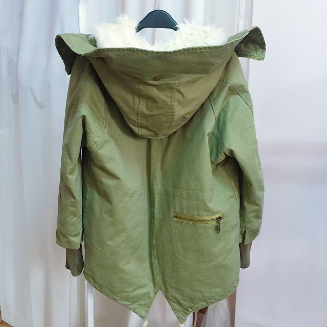 內鋪毛風衣連帽外套軍綠