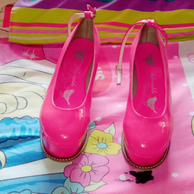 Barbie Shoes Pink . Barter Yukkk