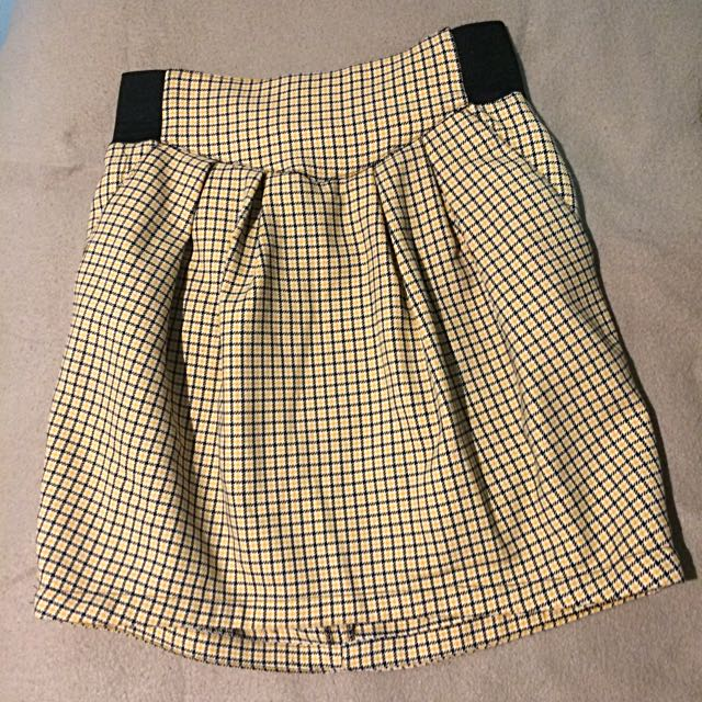 Black Yellow Check Pleated Skirt