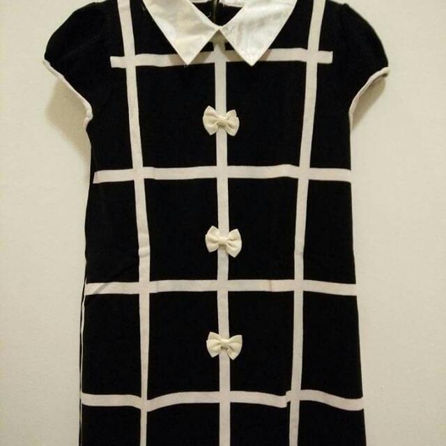B/W Knit Dress with Ribbon details
