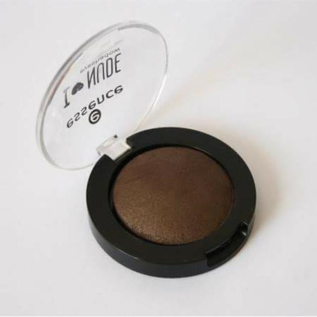 Essence I Love Nude Baked Eyeshadow in Coffee Bean