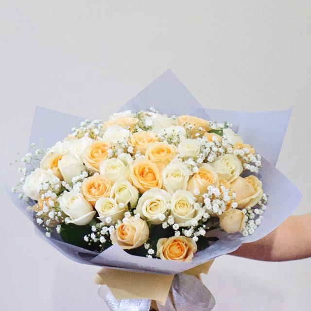 Hand Bouquet & Bloom Box