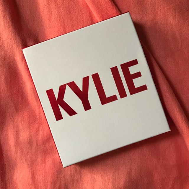 Kylie Cosmetics Limited Edition Valentines Day Collection Mini Mattes Eyeshadow Set AUTHENTIC