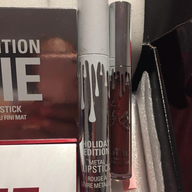 Kylie Holiday Edition Lipstick Dancer Metal