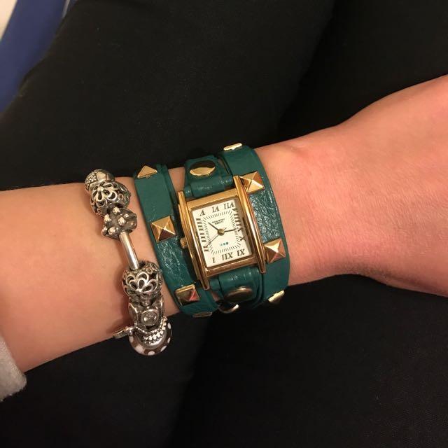 la mer collections 卯釘環繞真皮手錶