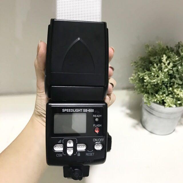 Original Nikon Flash Speedlight sb-600