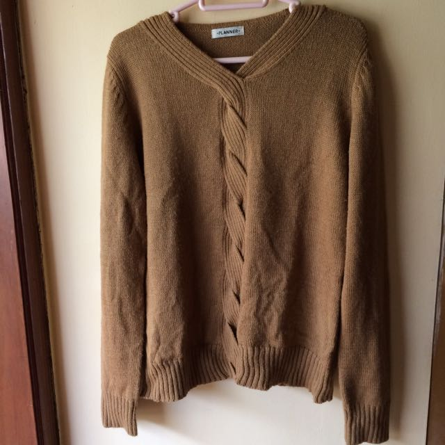 Planner Brown Sweater